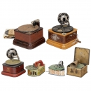 4 Toy Gramophones and 2 Table Gramophones, c. 1930